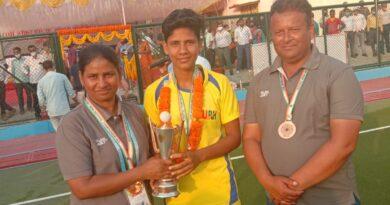मऊ की बेटी निक्की व जूली के बेहतरीन प्रदर्शन से 11 वीं आल इंडिया सब जूनियर महिला अंडर-16 हॉकी प्रतियोगिता में UP को मिला ब्रोंज मेडल